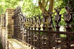 Antique-bespoke-garden-cast-iron-fence-front-railing-design-of-garden-for-sale-IOK-222